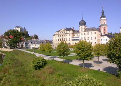 unteres und oberes Schloss Greiz im Vogtland - Standort der Praxis Dr. Reuter - Ihr Experte bei Zivilisationskrankheiten
